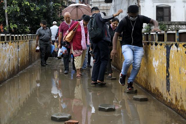 http://nepalitimes.com/assets/uploads/gallery/1b4d2-rain.jpg