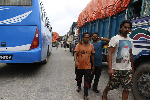 http://nepalitimes.com/assets/uploads/gallery/4be54-Traffic-jam-in-East-West-highway.jpg
