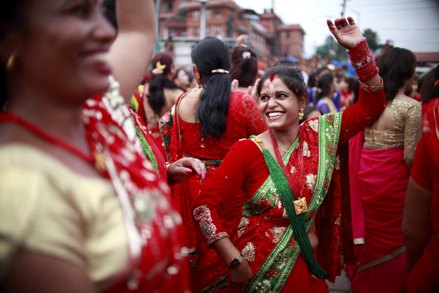 http://nepalitimes.com/assets/uploads/gallery/4c673-Teej-2073-in-Pashupatinath.jpg