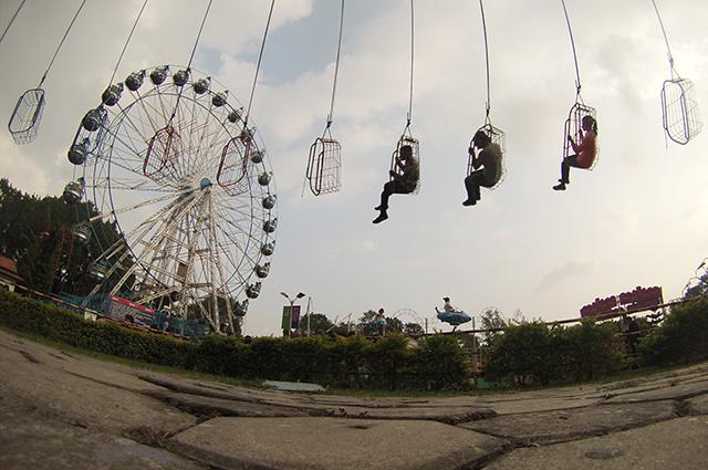 http://nepalitimes.com/assets/uploads/gallery/94d98-Kathmandu-Fun-Park.jpg