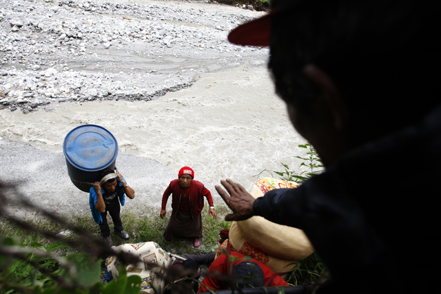 http://nepalitimes.com/assets/uploads/gallery/9c573-sindhupalchik-landslide-online.jpg