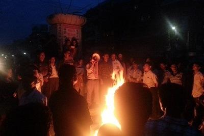 http://nepalitimes.com/assets/uploads/gallery/eb919-banepa-protest.jpg