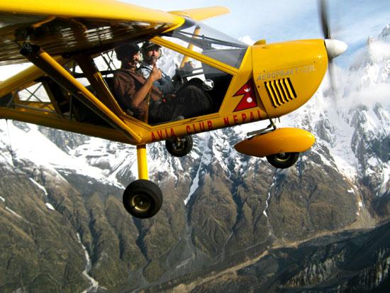 Kunda-Dixit-flying-Avia-clu