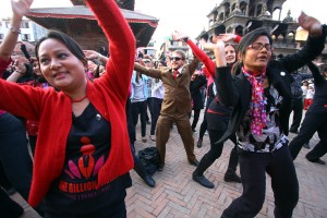 Even men joined in the dance to express their support for women's rights.