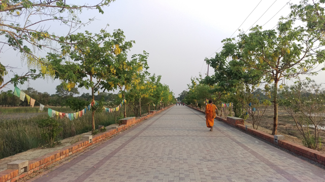 As a Korean deeply influenced by Buddhism both in cultural and curricular upbringing, there were two aspects of Lumbini that made an impression on me. One was the peaceful environment with thick forests which almost recreates the world of the Tarai at the time of the Buddha's birth two-and-half millennia ago.