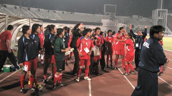 women-football1