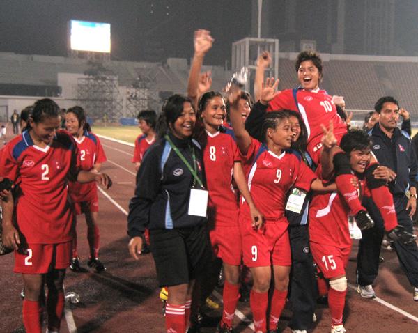 women-football3