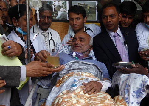 Dr Govinda KC ends his 11- day long hunger strike following an agreement with the government. Photo: Gopen Rai