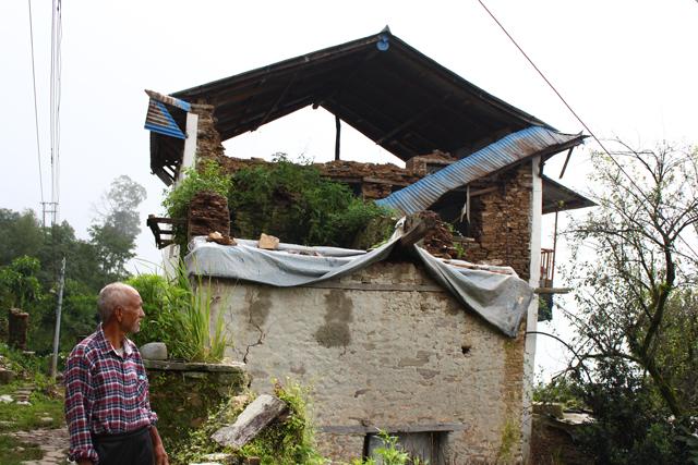 Purna Bahadur Shrestha looks at what remains of his house in Dolakha Bazar. Pics: Sahina Shrestha