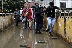 https://archive.nepalitimes.com/image.php?&width=250&image=/assets/uploads/gallery/1b4d2-rain.jpg